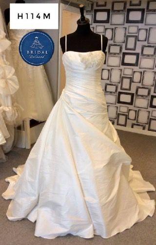 Benjamin Roberts   Wedding Dress   A Line   H114M