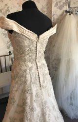 Ian Stuart | Wedding Dress | Fit to Flare | B95