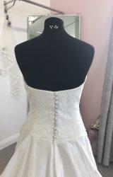 Suzanne Neville | Wedding Dress | A Line | D637