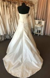 Suzanne Neville | Wedding Dress | Aline | B156