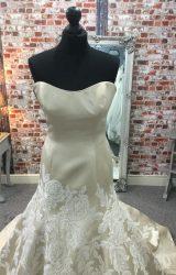 David Tutera | Wedding Dress | Fit to Flare | CA18G