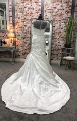 Maggie Sottero   Wedding Dress   Fit to Flare   CA2G