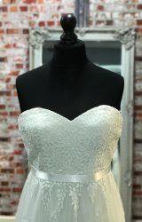 Benjamin Roberts   Wedding Dress   Aline   CA20G