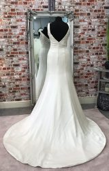 Madeline Isaac James | Wedding Dress | Fit to Flare | CA44