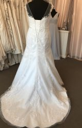 Ronald Joyce | Wedding Dress | Fit to Flare | B157
