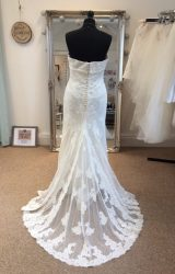 Pronovias | Wedding Dress | Fit to Flare | LE150M