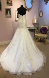 Justin Alexander   Wedding Dress   Fit to Flare   W384L