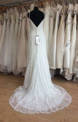 Sincerity | Wedding Dress | Fit to Flare | L314C