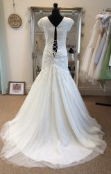 Pronovias | Wedding Dress | Fit to Flare | LE154M