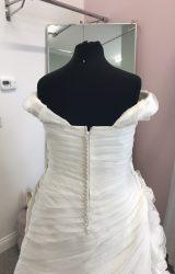Ronald Joyce | Wedding Dress | Fit to Flare | D473
