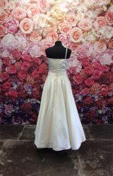 Madeline Isaac James   Wedding Dress   Aline   ST203