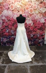 Monique Lhuillier | Wedding Dress | Fit to Flare | ST197H