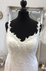 Sassi Holford | Wedding Dress | Fit to Flare | LE140M