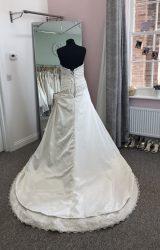 Essense of Australia | Wedding Dress | Aline | D871K