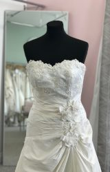 Sassi Holford | Wedding Dress | Aline | D872K