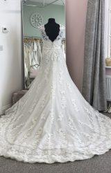 Pronovias | Wedding Dress | Fit to Flare | D885K