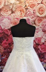 Yours Truly | Wedding Dress | Aline | ST223H