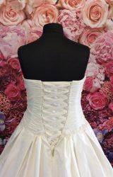 Madeline Isaac James | Wedding Dress | Aline | ST206