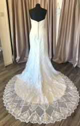 Maggie Sottero   Wedding Dress   Fit to Flare   C148JL