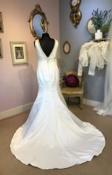 Ronald Joyce | Wedding Dress | Fit to Flare | W461L