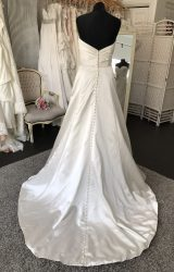 Allure | Wedding Dress | Fit to Flare | M9S