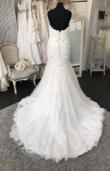 Ian Stuart | Wedding Dress | Fit to Flare | M38S