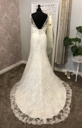 Benjamin Roberts | Wedding Dress | Fit to Flare | Y76E