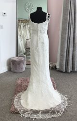 Ian Stuart | Wedding Dress | Fit to Flare | D721K