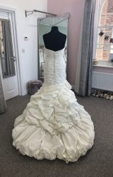 Ian Stuart | Wedding Dress | Fit to Flare | D910