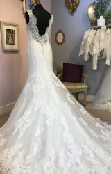 Diane Legrand | Wedding Dress | Fit to Flare | W474L
