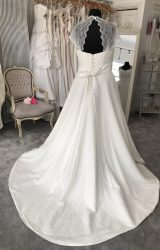 Stephanie Allin | Wedding Dress | Aline | M81