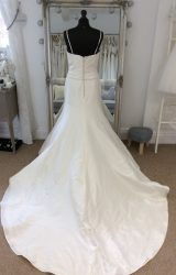 Benjamin Roberts | Wedding Dress | Fit to Flare | LE192M