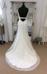 Sassi Holford | Wedding Dress | Fit to Flare | LE195M