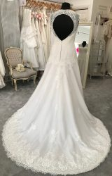White Rose | Wedding Dress | Fit to Flare | M86S