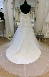 Allure | Wedding Dress | Column | LE213M