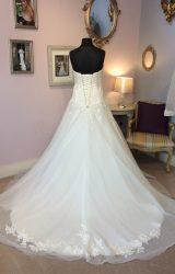 Essense of Australia   Wedding Dress   Aline   W521L