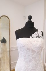 Enzoani   Wedding Dress   Fit to Flare   WH42C