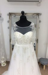 Veromia | Wedding Dress | Aline | LE221M