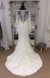 Allure | Wedding Dress | Fit to Flare | LE223M