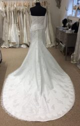 Benjamin Roberts | Wedding Dress | Fit to Flare | LE231M
