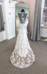Claire Pettibone | Wedding Dress | Fit to Flare | D940K