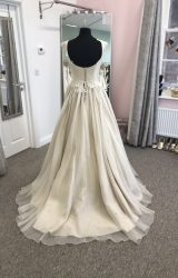 Lyn Ashworth | Wedding Dress | Aline | D957K