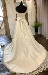Ritva Westenius | Wedding Dress | Aline | LA28L