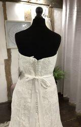 Enzoani | Wedding Dress | Fit to Flare | LA20L