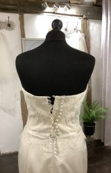 Alan Hannah | Wedding Dress | Fit to Flare | LA42L