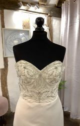 Ronald Joyce | Wedding Dress | Fit to Flare | LA23L