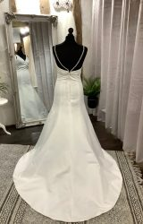 Forever Yours | Wedding Dress | Fit to Flare | LA24L