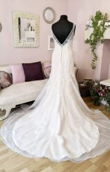 Romantica | Wedding Dress | Fi to Flare | W590L