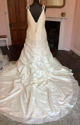 Unforgettable   Wedding Dress   Aline   SH33S