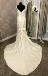 Alan Hannah | Wedding Dress | Fit to Flare | Y22E